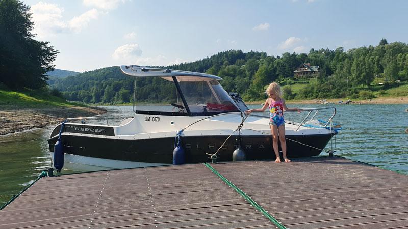 łódź elektryczna Foka Zawóz noclegi przystań